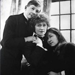 Ellen Terry with Edward Gordon Craig  and Edy Craig (Photo by kind permission of The National Trust)